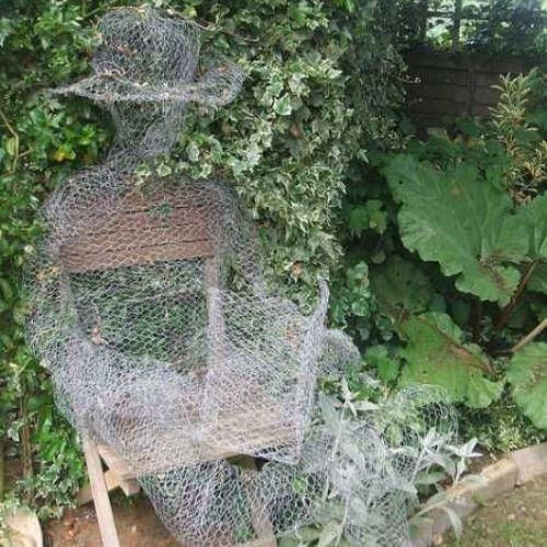 Halloween Decoration DIY Ghosts Using Chicken Wire - Chicken wire