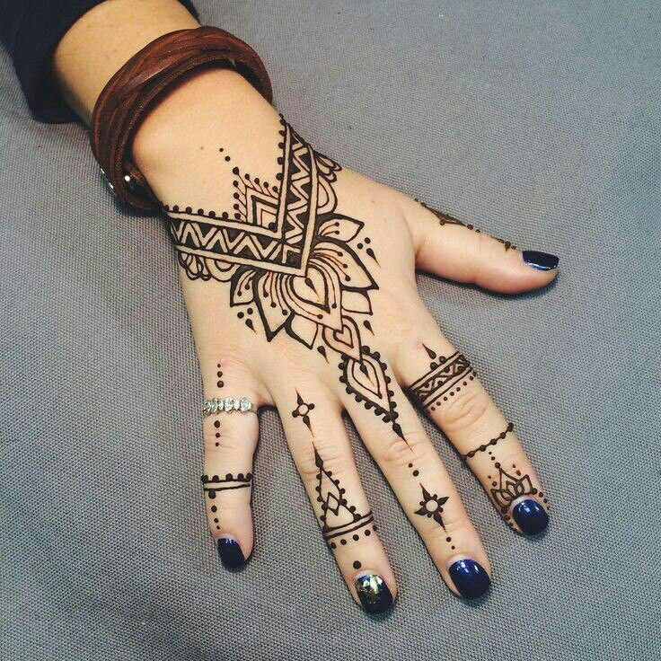 Pin By Mermaid Goddess On Henna Tatouage Henne Henne Tatouage