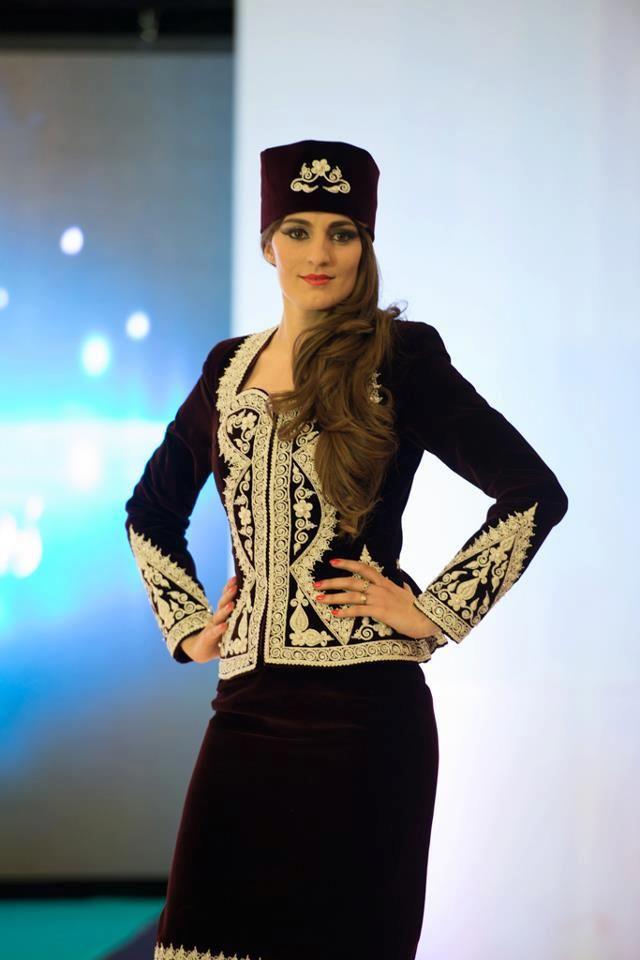 Algerian fashion goldwork