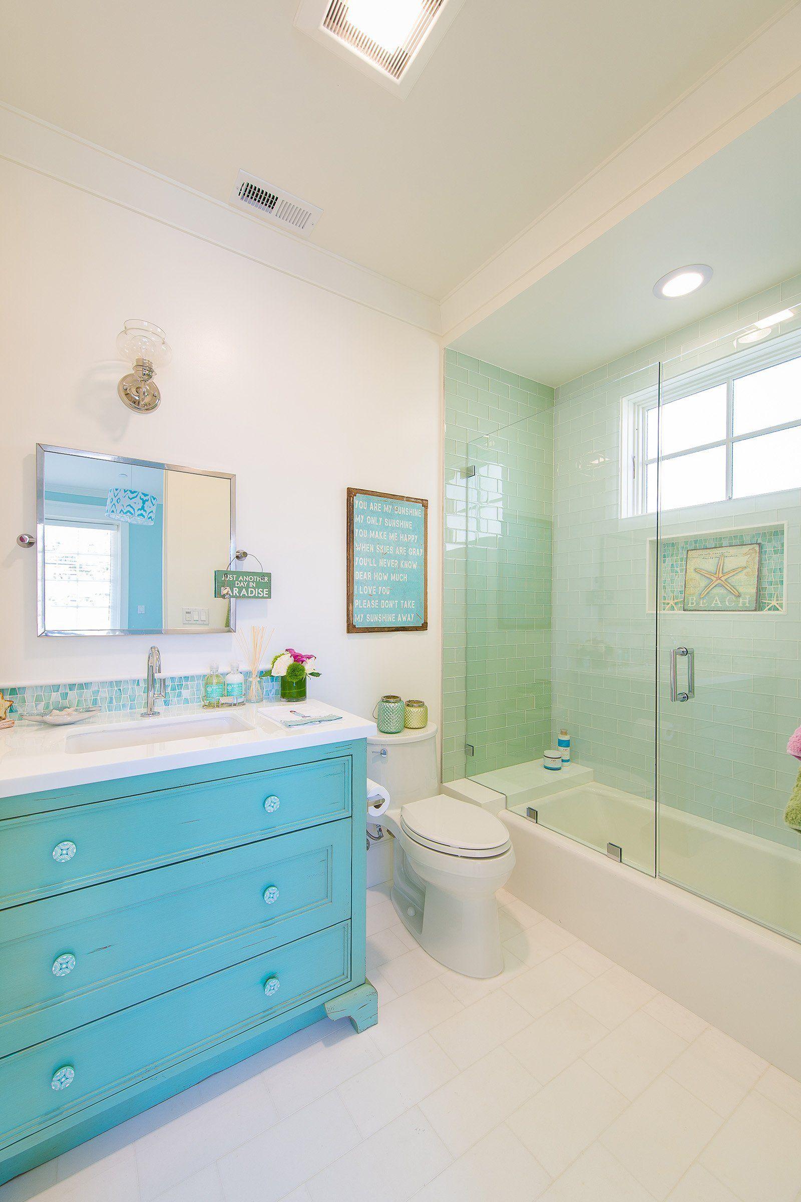 Blue Coastal Dream Ideas For A Unique Beach Design Beach Houses In 2020 Beach House Bathroom Turquoise Bathroom Beach House Interior