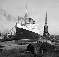 RMS Queen Elizabeth - Southampton 1966