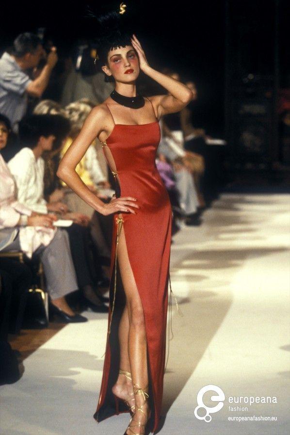 Christian Dior, Autumn-Winter 1997, Womenswear | Fashion, 90s runway fashion,  Runway fashion