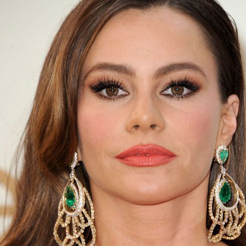 Sofia Vergara: Coral Cutie | Makeup artists, Eyes and Beauty