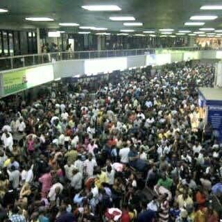 Welcome To LizMani's Blog: THIS IS NOT A MOVIE!!! SEE NIGERIANS TRYING TO GET OUT OF THE COUNTRY PRIOR TO THE 2015 ELECTION?!! DANG!!