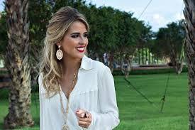 blusa branca com colar - Pesquisa Google