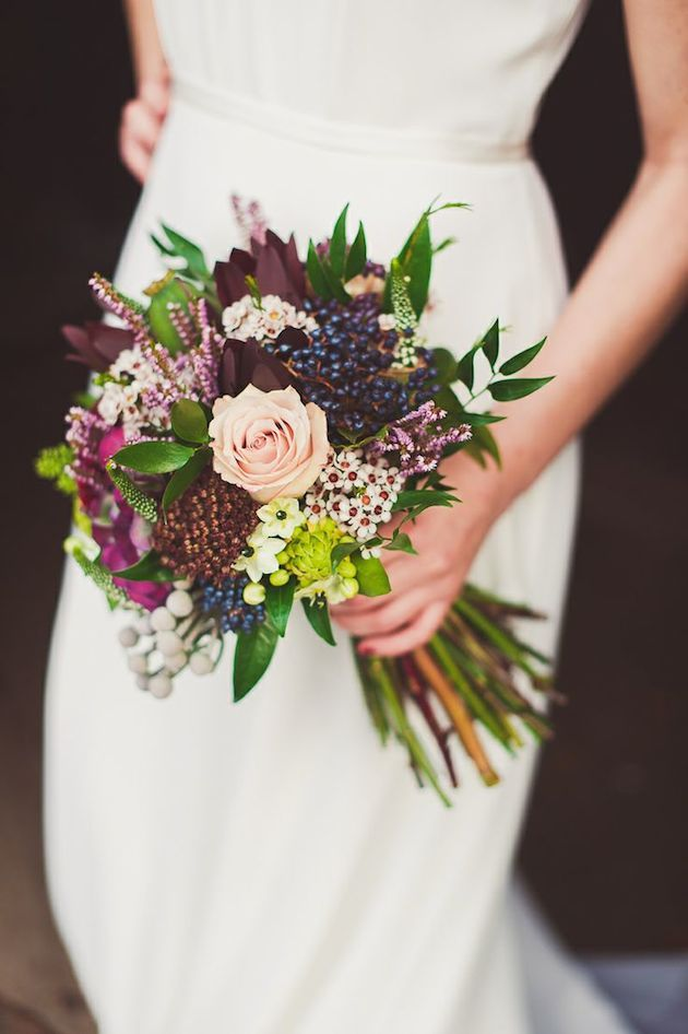 25 stunningly gorgeous fall bouquets for autumn brides for Wedding bouquets for autumn