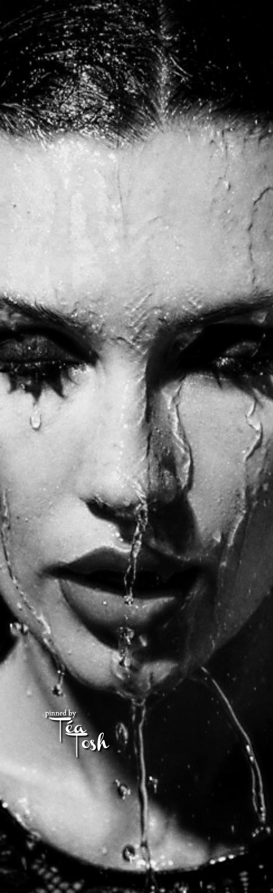Téa Tosh | Wet and wild, Waterfall, Black and white