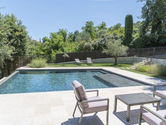 Une Piscine  Dbordement Sous Le Soleil Mditerranen  Pool Designs