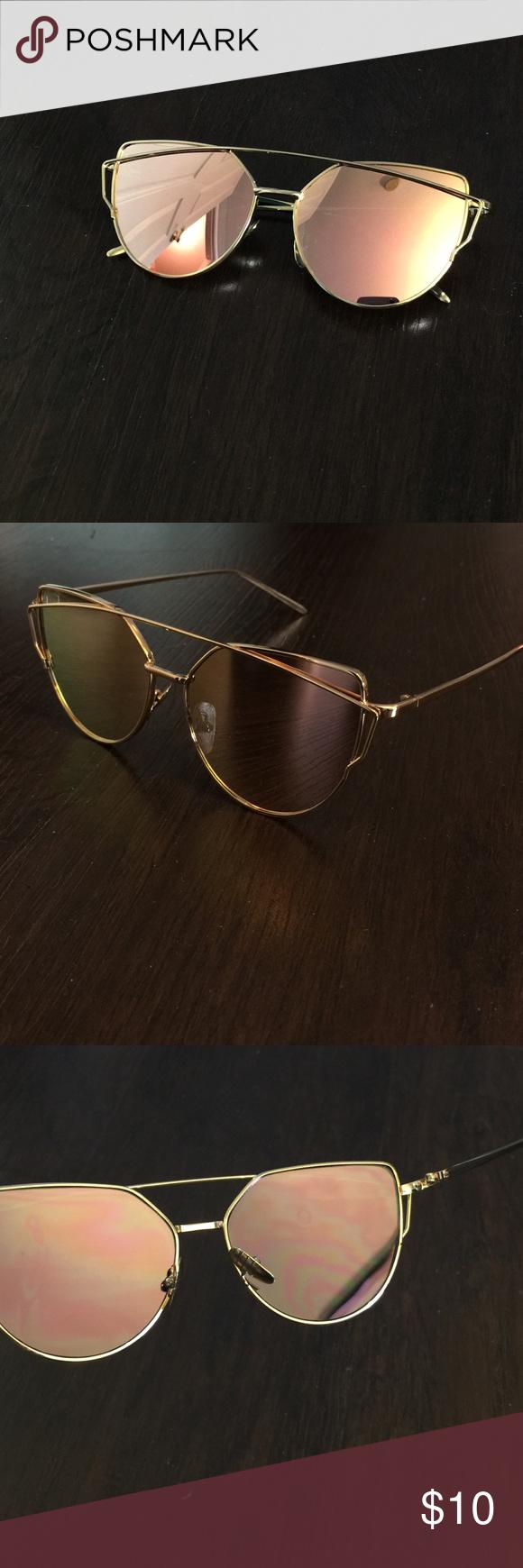 ☀️Rose and Gold Aviator Style Sunglasses ☀️