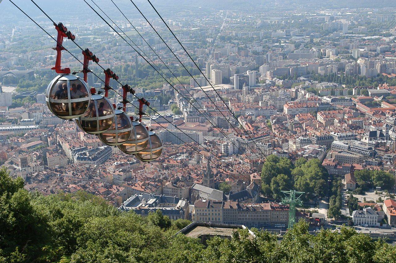 Vue de grenoble depuis la bastille - Office de tourisme de grenoble ...