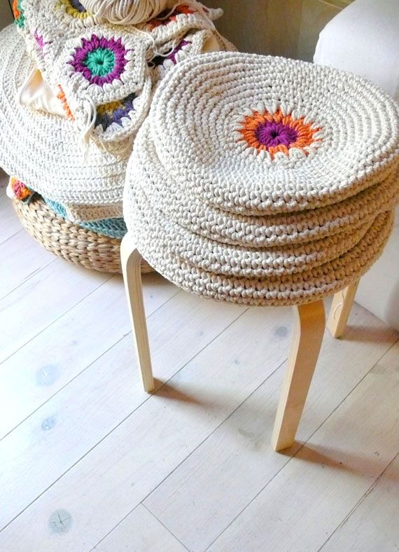 crochet stool or pillow cover | estambrishos | Pinterest | Fundas de ...