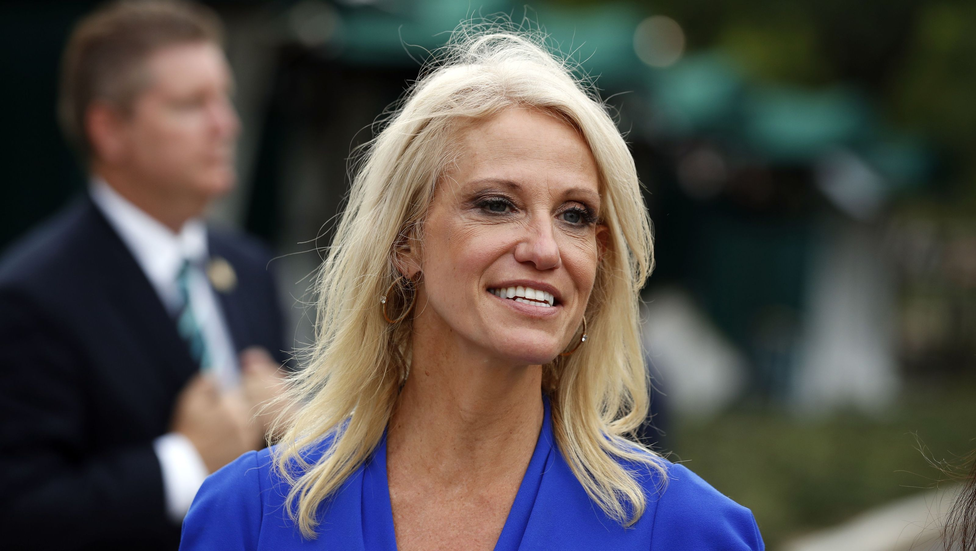 Kellyanne Conway S Husband Trump Administration Is A Dumpster Fire Trump Advisors Top Trumps Conway