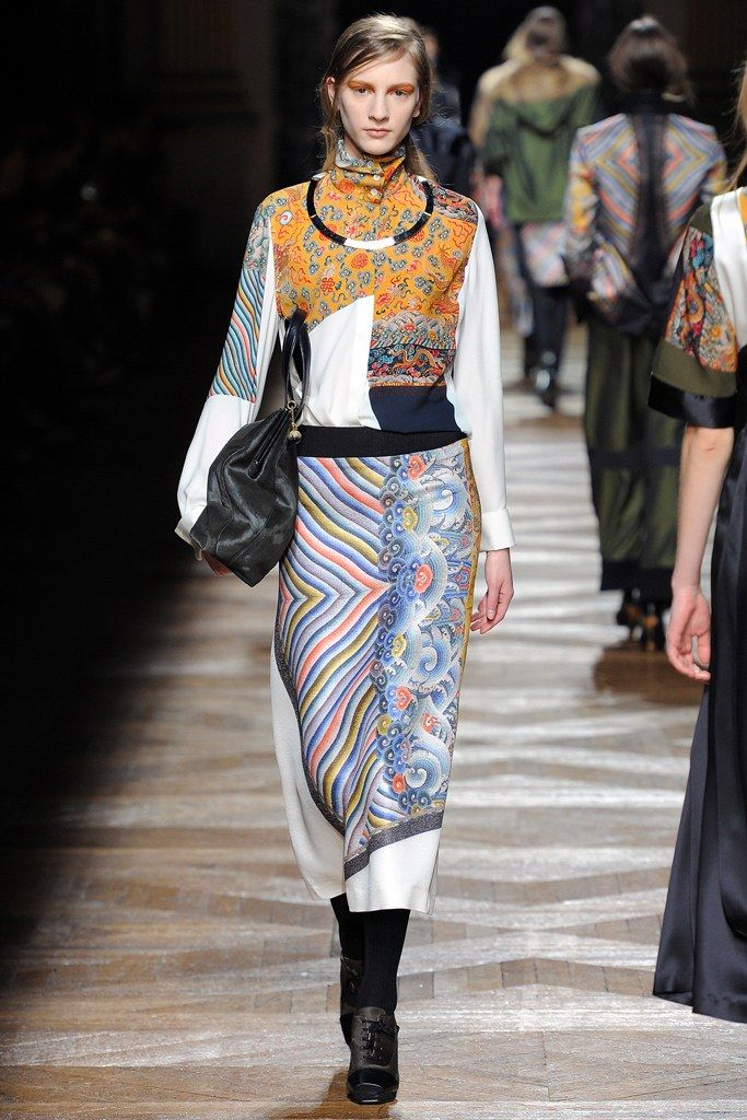 Dries Van Noten Fall 2012 Ready-to-Wear Collection Photos - Vogue