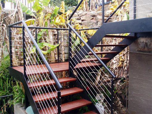 Modelos de escaleras externas escaleras en el exterior de - Escaleras de hierro para exterior ...