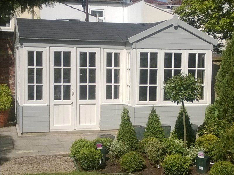 Summer houses essex bungalow summer house prefab for Garden shed essex