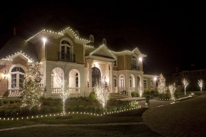 Photo Galery Award Winning Residential And Commercial Christmas Lighting And Decorating Serv Outdoor Christmas Decorations Outdoor Christmas Christmas Lights