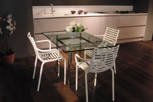 Sedie E Tavoli Kartell.Tavolo Driade E Sedie Kartell Emozioni Showroom Rapallo Chair