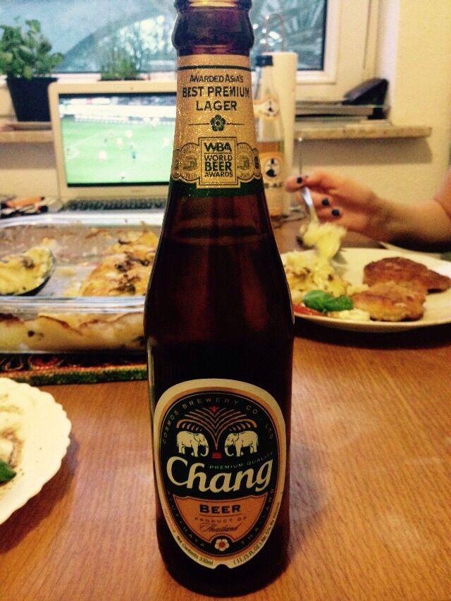 Chang Premium Lager Bier Aus Thailand Ne Riesen Brauerei Sowas Bier Und Brauerei