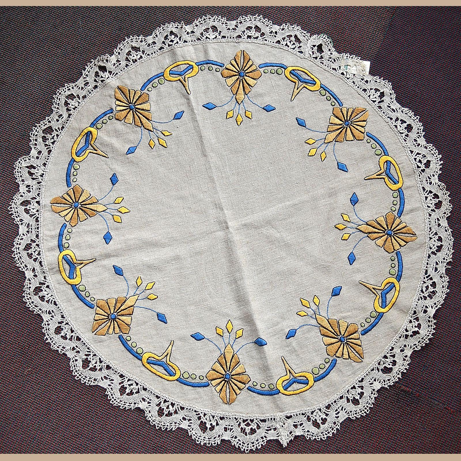 Arts and crafts table linens - Shop Table Linen Round Dalton S American Decorative Arts Antiques