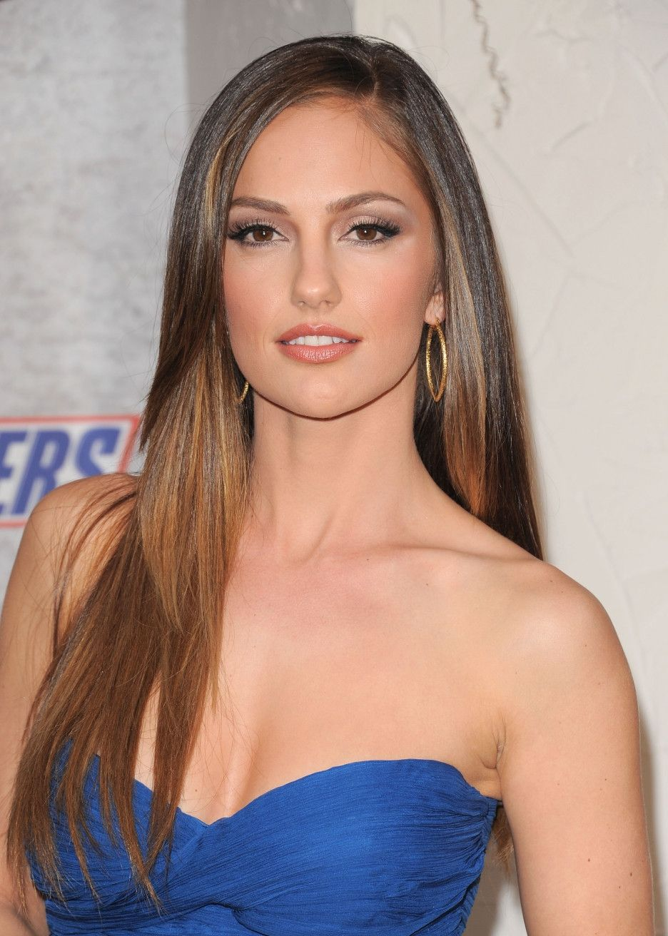 daf976e13db Minka Kelly is perfection Red Carpet Makeup