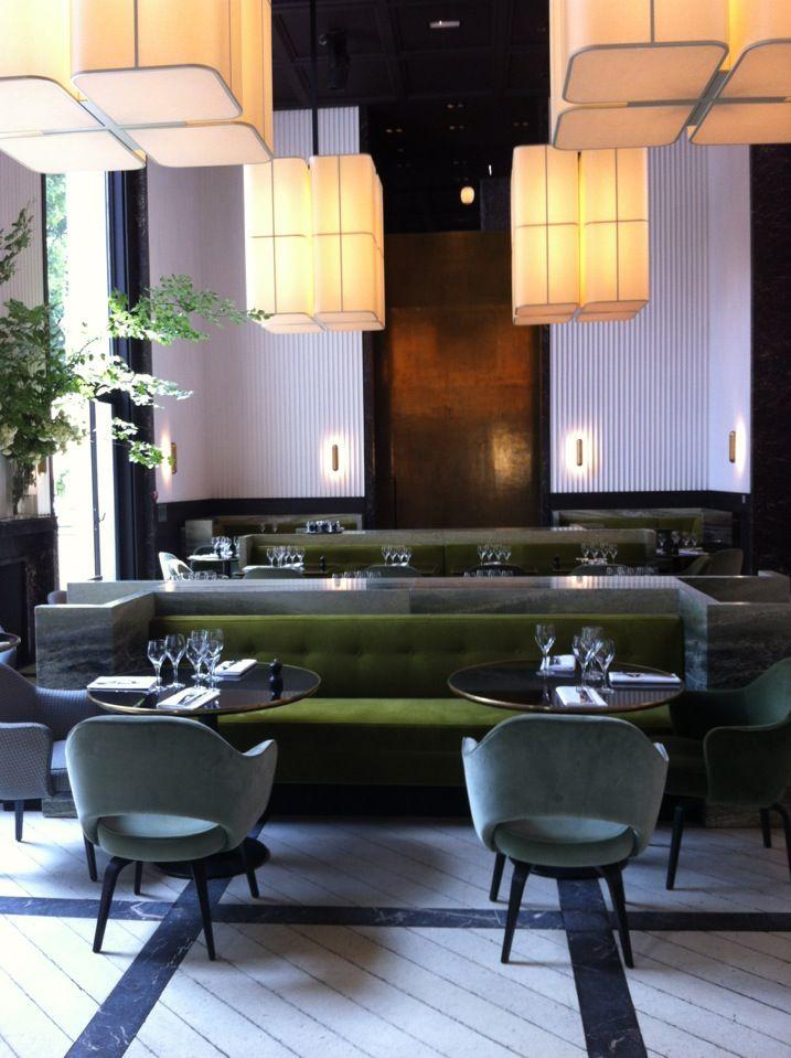 elegant and chic restaurant in the modern art museum monsieur bleu paris le de france. Black Bedroom Furniture Sets. Home Design Ideas
