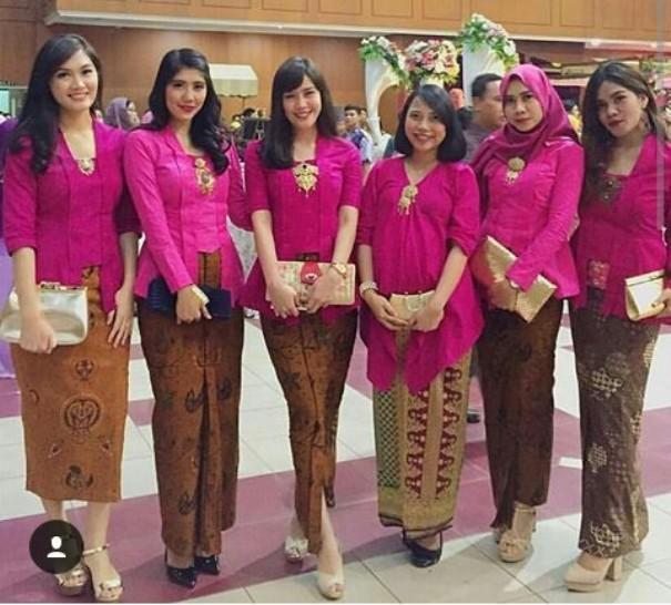 Inspirasi Kebaya Seragam Untuk Pesta Pernikahan Women S Fashion In