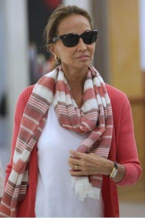 moda para mujeres de 40 anos imagenes posadas