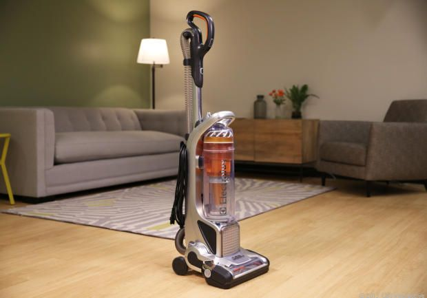 This Vacuum Cleaner Is Entirely Worth Its 300 Price Tag