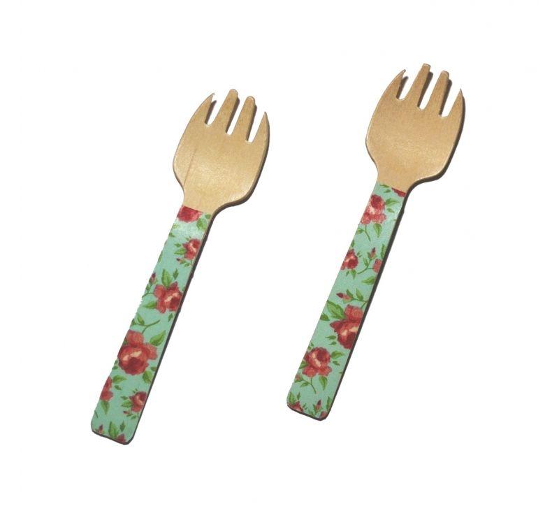 12 Mini tenedores de madera decorados ideales para #fiestas #picnic #cumpleaños #meriendas #cocktail........  Haz tu pedido online y en 48h lo recibes en la dirección que nos indiques.  #eleganceparty  #mesadefiesta #caspari #cubiertos