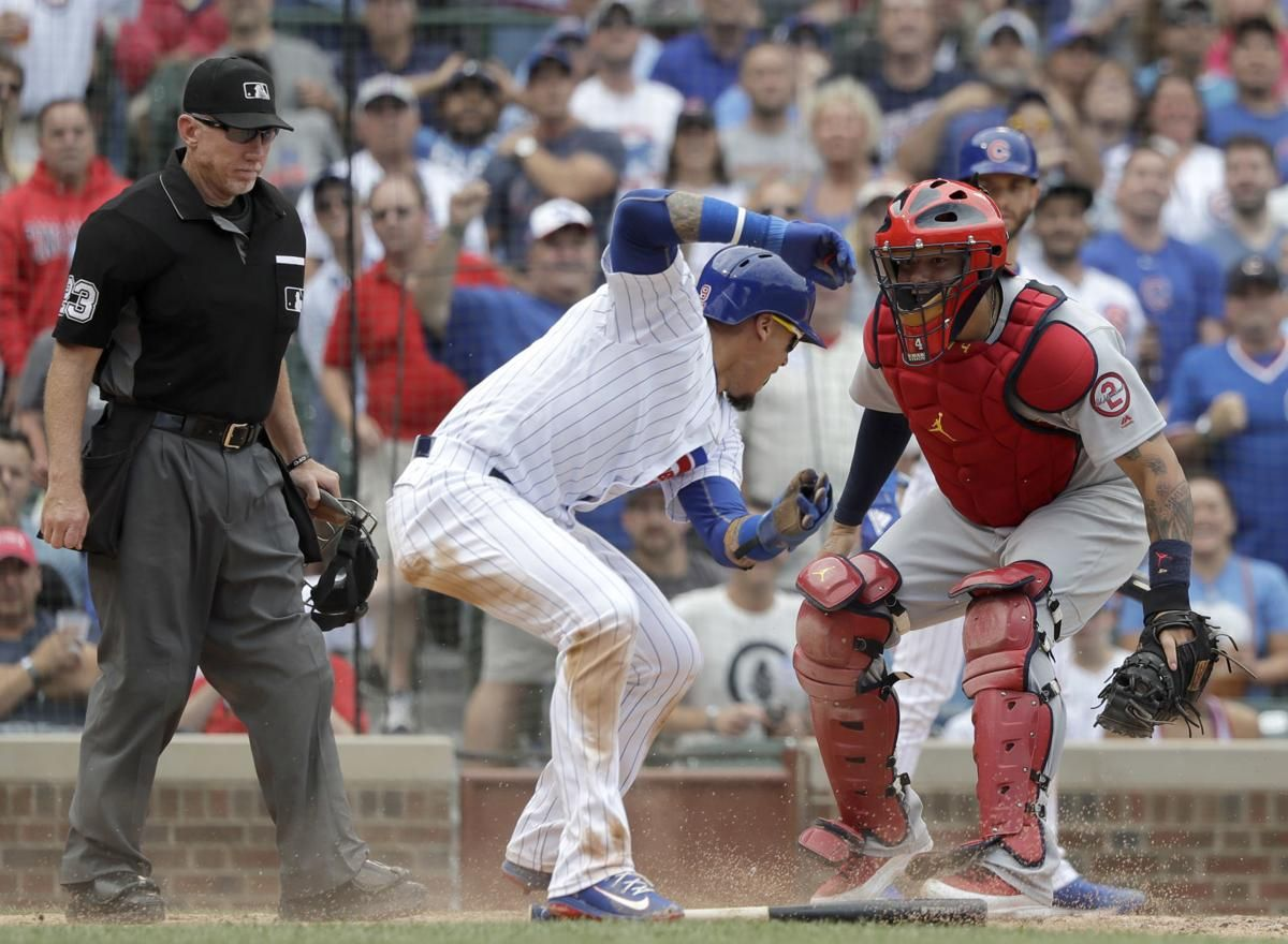 July 2018 St Louis Cardinals Catcher Yadier Molina At Wrigley Field Playing Against The Chicago Cubs Y Baseball Catcher Softball Catcher Baseball Softball