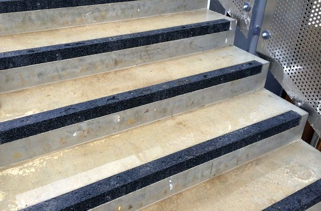 2 Concrete Steps Installation Complete With Flush Fitting