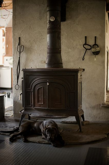 die klassischen kachelofen von castellamonte sind echte blickfanger, pin von william blackshear auf lamps and things | pinterest | ofen, Ideen entwickeln