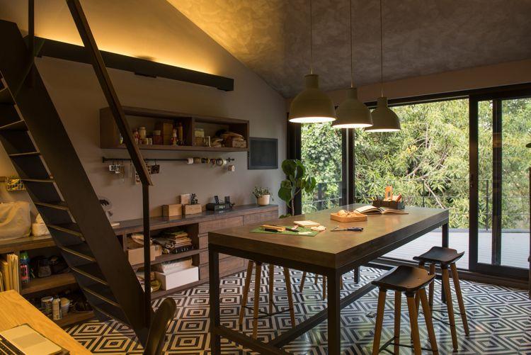 alte ziegelsteine holz loft küche zementfliesen schwraz weiss - küche weiß mit holz