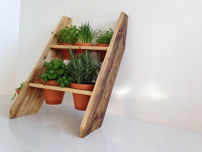 diese kr uterleiter ist ideal f r den balkon oder die kleine terasse durch die anordnung der. Black Bedroom Furniture Sets. Home Design Ideas