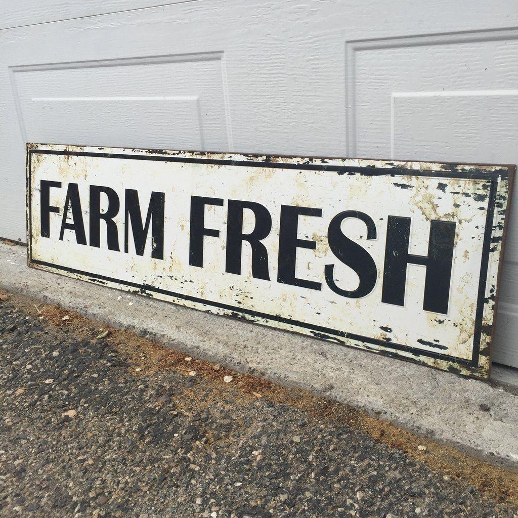 Farmhouse \'Farm Fresh\' Sign