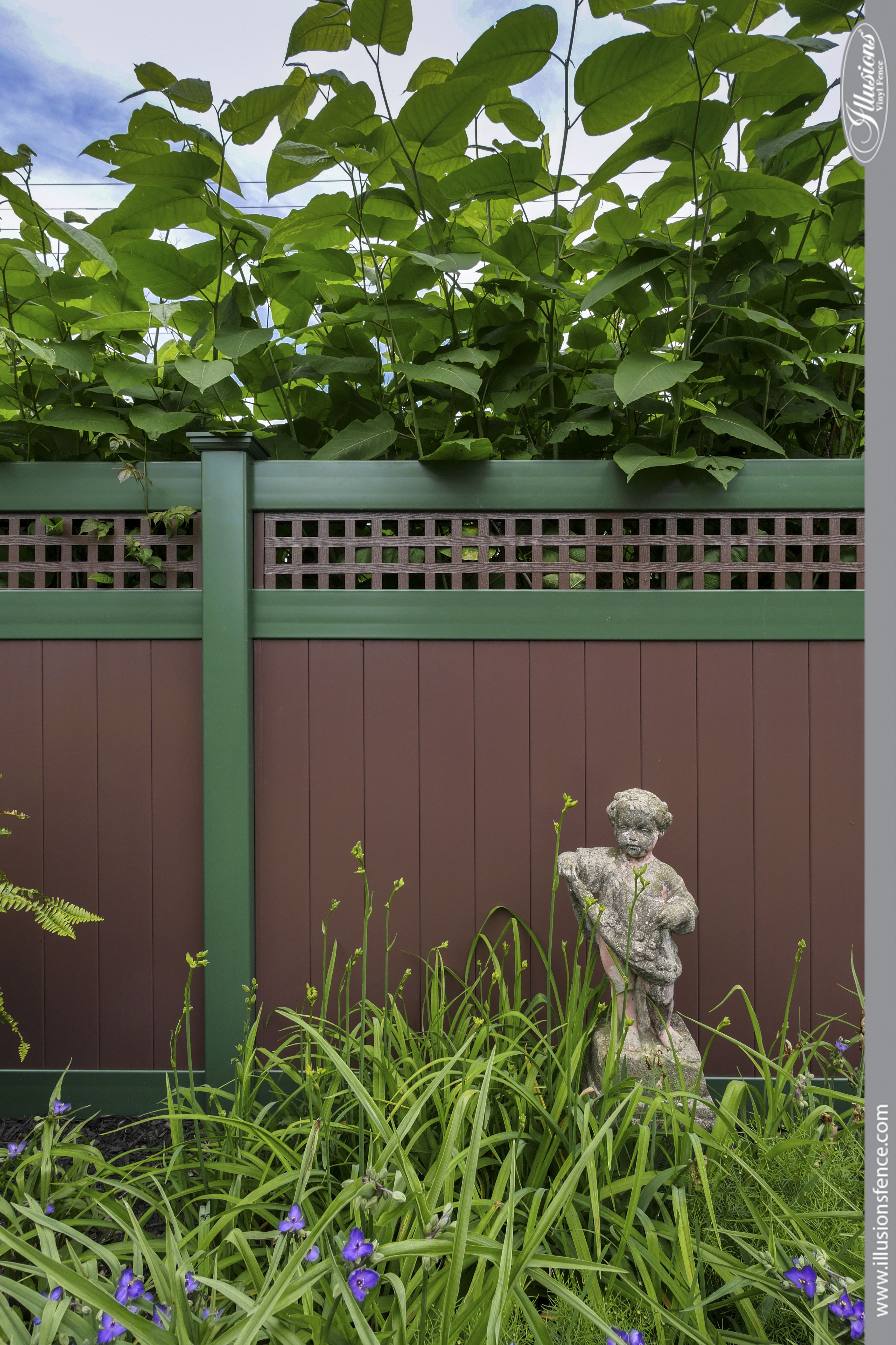 Brown And Green Vinyl Fence Vinyl Fence Fence Pet Fence