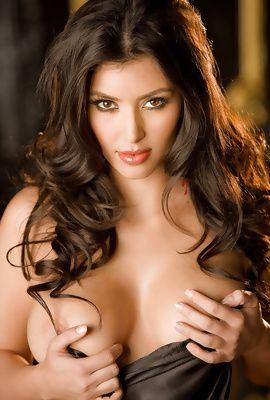 Naked Boobs Of Kim Kardashian