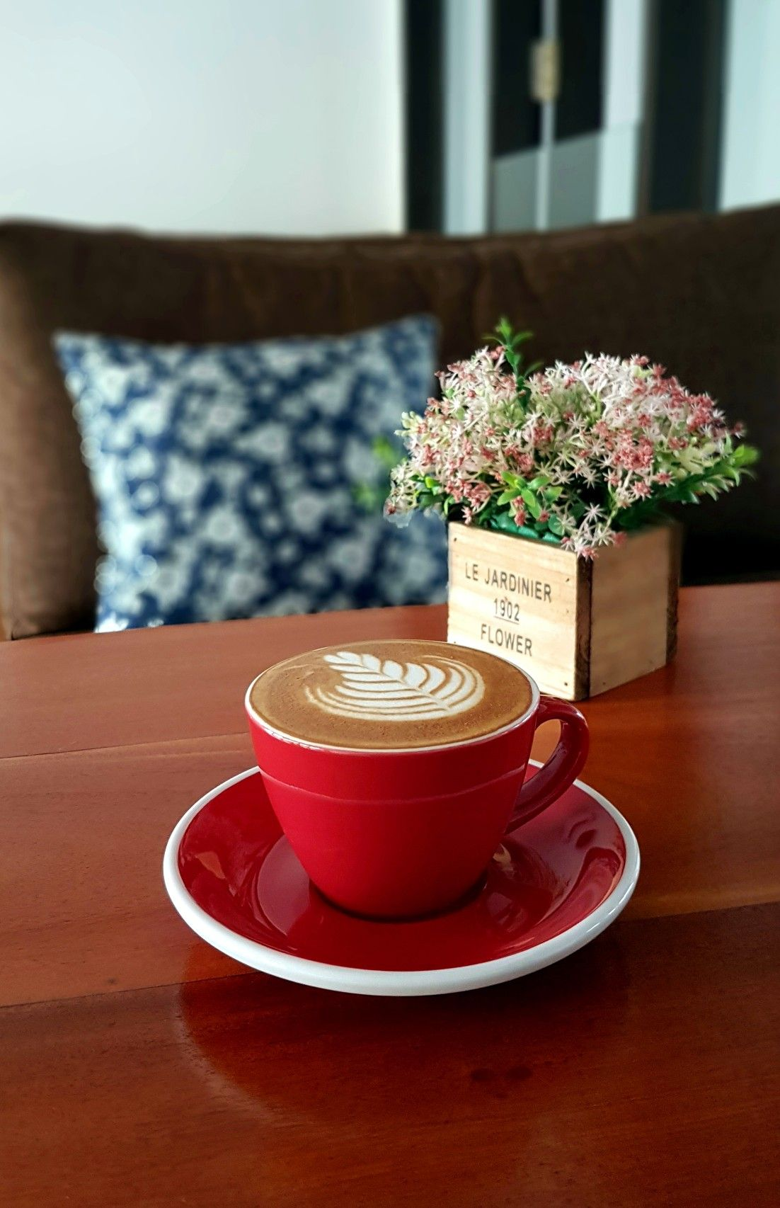 """""""Cappuccino"""", Pull Over Coffee & Roastery, Jakarta v roce"""