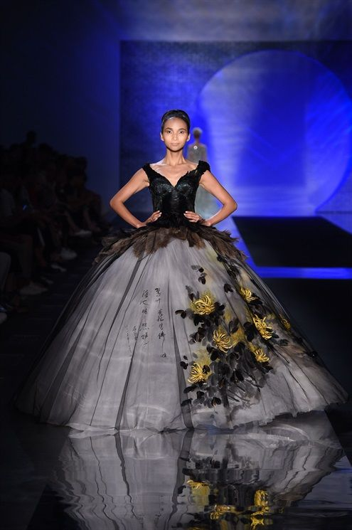 Laurence Xu couture  2dd7f6235