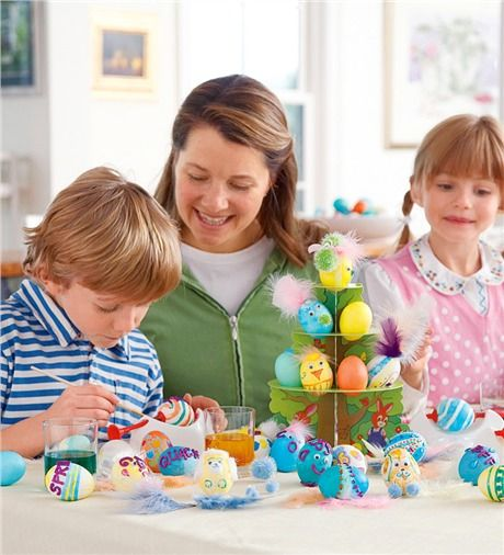 Family egg decorating kit this deluxe kit offers a variety of family egg decorating kit this deluxe kit offers a variety of creative decorating methods for negle Images