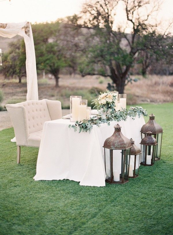 chic white and greenery sweetheart wedding table decoration ideas
