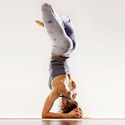 jamie eason's livefit trainer day 1  yoga poses