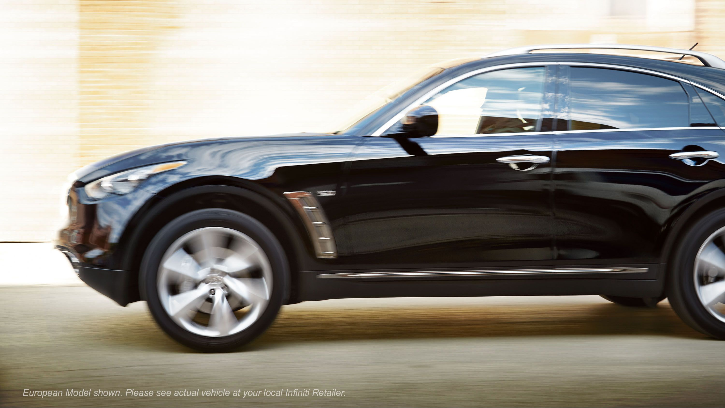 2015 infiniti qx70 luxury crossover driver 39 s side profile in black obsidian with side air. Black Bedroom Furniture Sets. Home Design Ideas