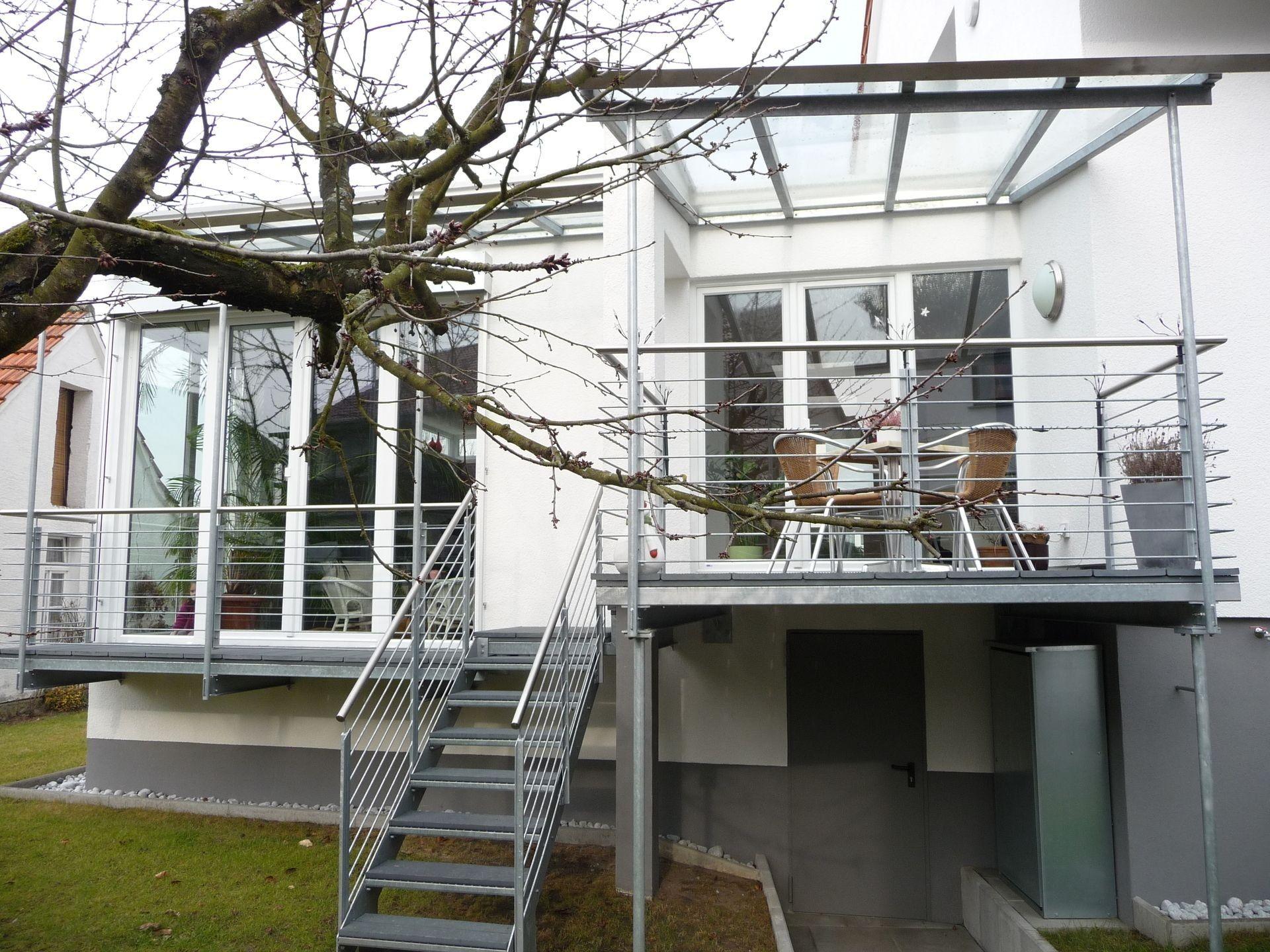 Balkon Mit Treppe In Den Garten Du Hast Es Nie Versucht Von Balkon Terrasse Mit Treppe In Den Garten Bauemotion De In Bezug Auf B Haus Terassenentwurf Treppe