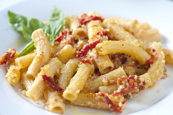 rigatoni with sundried tomatoes and goat cheese