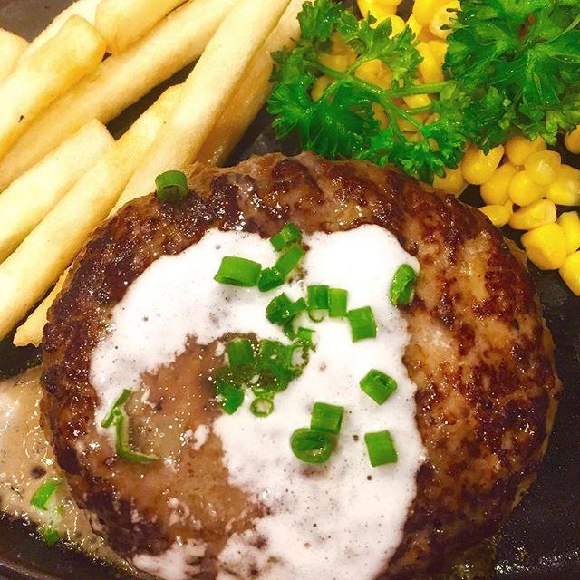 昼、やわらか肉。  #ハンバーグ #ジュージュー #丑の日も肉 #肉 #ランチ #lunch