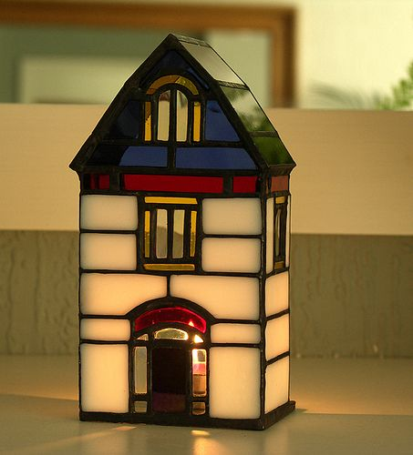 Candle holder (house)
