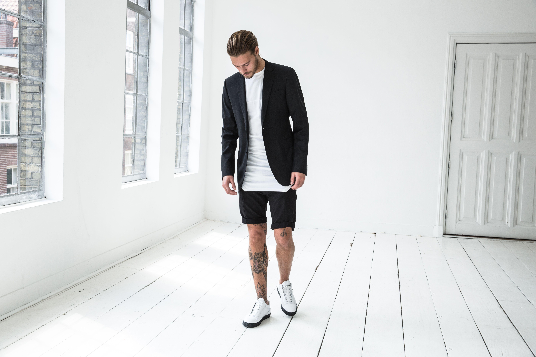 Sun is shining; time for new sneakers! Shop deze exclusieve sneaker uit de Diamond Sole Collection van het luxe modemerk SUSUDIO bij DIMAGINI. Model: SSD SISR-101 / White low top. https://dimagini.nl/susudio/ Conceptstore DIMAGINI, Brugstraat 2 Groningen
