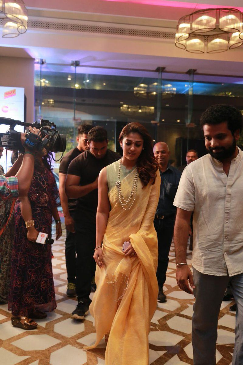 Here are a few stills of the all-time-gorgeous Nayanthara in a simple, yet sleek looking saree at The Hindu World Of Women 2018. #LadySupe… | Women, Fashion, Hindu