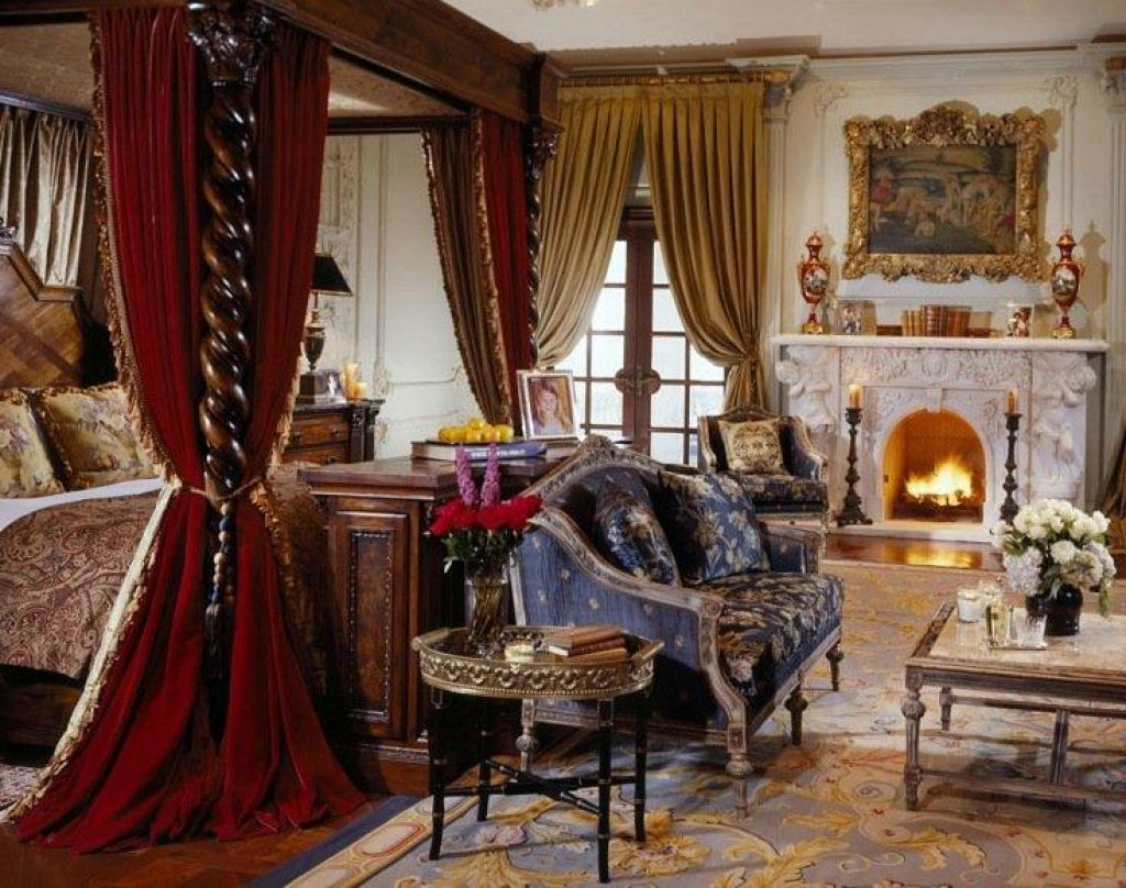 Charmant Bedroom With Medieval Decor And Fireplace : Medieval Style Home Decorating  Ideas
